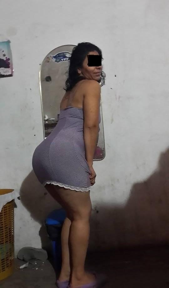 Esposa de corno chupando negao oficial - 3 part 1