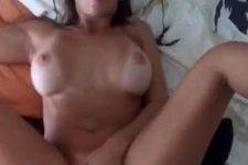 Kelly Lopes dando o cu