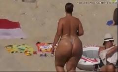 Bunda grande caseira na praia