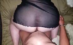 Esposa branquinha fazendo sexo em casa com o marido