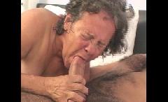 Suruba com velha de 70 anos