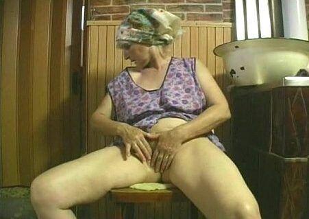 Velhas safadas se masturbando