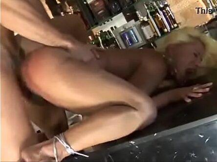 Coroa levando pica grossa no cu e na buceta