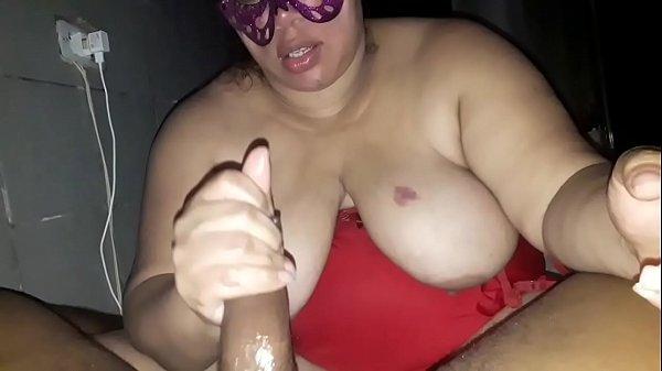 Minha puta gordinha mamando ,tomando no cu e pedido leitinho /comentários